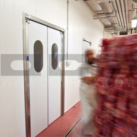 Doors for food industry and supermarkets